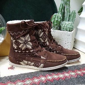 Bamboo boot